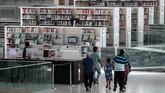 Bangunan megah Perpustakaan Nasional Qatar seluas 45 ribu meter persegi karya arsitek Rem Koolhaas kini semakin ramai didatangi pengunjung, mulai dari warga lokal hingga turis.