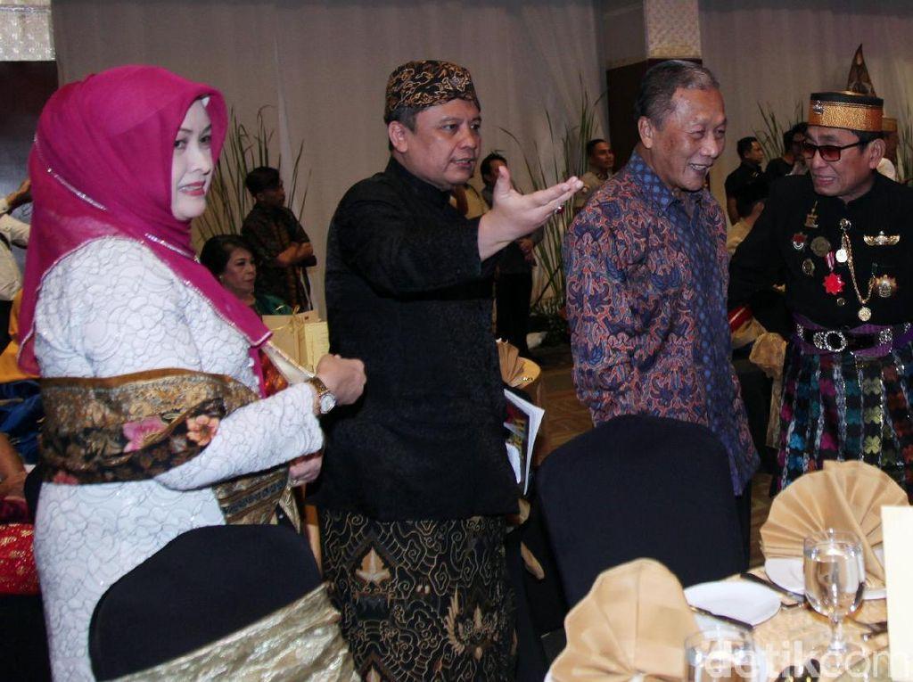 Pertemuan para raja dan sultan itu dilangsungkan di Hotel Sultan, Jalan Jenderal Sudirman, Jakarta Pusat.