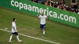 Jesus Lancarkan Perang Saraf untuk Messi dan Aguero
