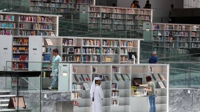 Rancangan ruangannya serba modern, mengingatkan akan megahnya Bandara Internasional Doha.