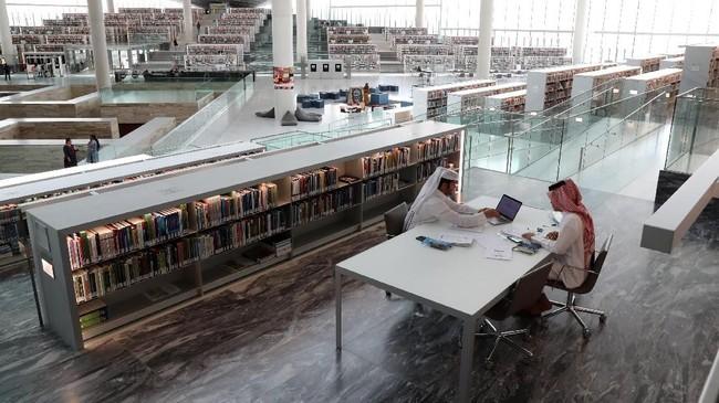Sejak beroperasi, buku-buku di Perpustakaan Nasional Qatar telah sering dipinjam, terutama koleksi buku anak.