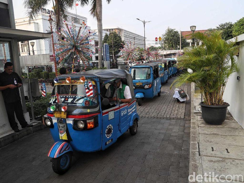 GrabBajay bisa menjadi pilihan transportasi umum bagi masyarakat Jakarta maupun turis karena layanan ini disebut punya banyak keunggulan.