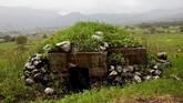 Bunker yang pernah digunakan pasukan Suriah saat bertempur di Dataran Tinggi Golan, yang saat ini dikuasai Israel. (REUTERS/Ronen Zvulun)