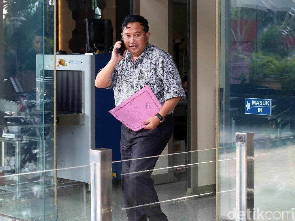 Selain Sri Widodo, KPK juga memanggil dua saksi lainnya untuk tersangka Zainudin, yaitu Sekretaris DPD Partai NasDem Lampung Tengah Paryono dan anggota Satbrimobda Polda Lampung Tengah Erwin Mursalin.
