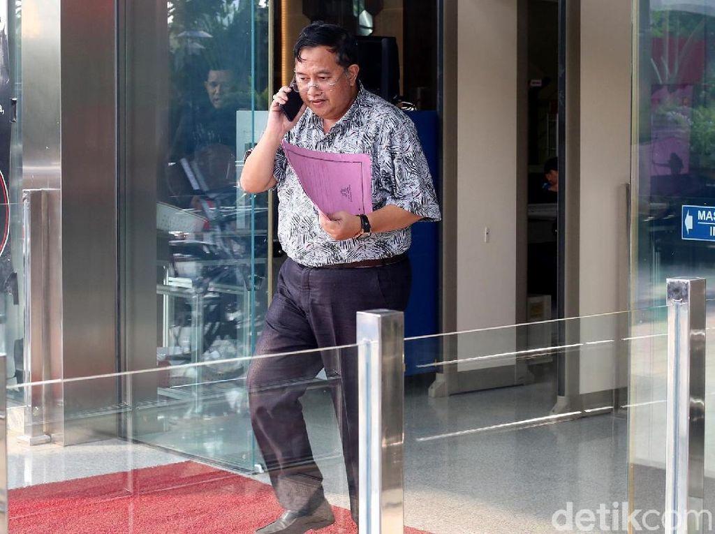 Zainudin jadi salah satu orang yang ditetapkan oleh KPK sebagai tersangka karena diduga menerima suap terkait persetujuan pinjaman daerah kepada PT SMI untuk pembangunan infrastruktur jalan dan jembatan di Kabupaten Lampung Tengah, pengesahan APBD-P Kabupaten Lampung Tengah pada tahun anggaran 2017, dan pengesahan APBD Kab. Lampung Tengah pada tahun anggaran 2018.
