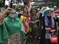 Massa Emak-emak Diblokade Polisi saat Bergerak ke Gedung MK