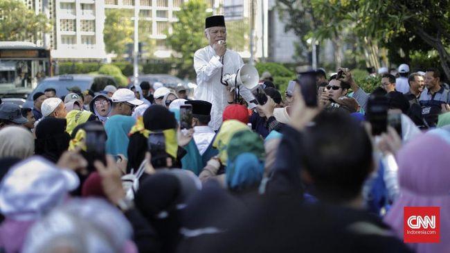 Massa Aksi Tahlil 266 Nyanyikan Lagu Pulangkan Rizieq Shihab