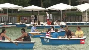 VIDEO: Dilanda Gelombang Panas, Warga Madrid Kumpul di Danau