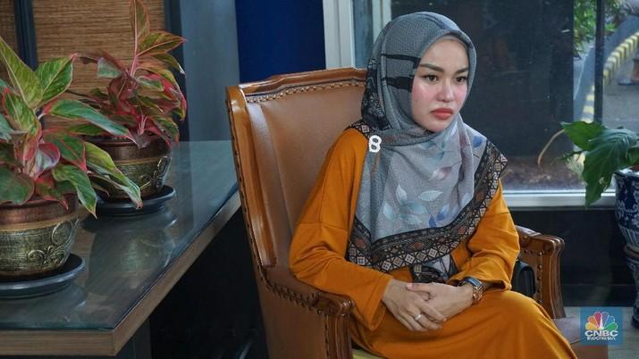 Konflik Medina Zein-Irwansyah & Runtuhnya Bisnis Kue Artis