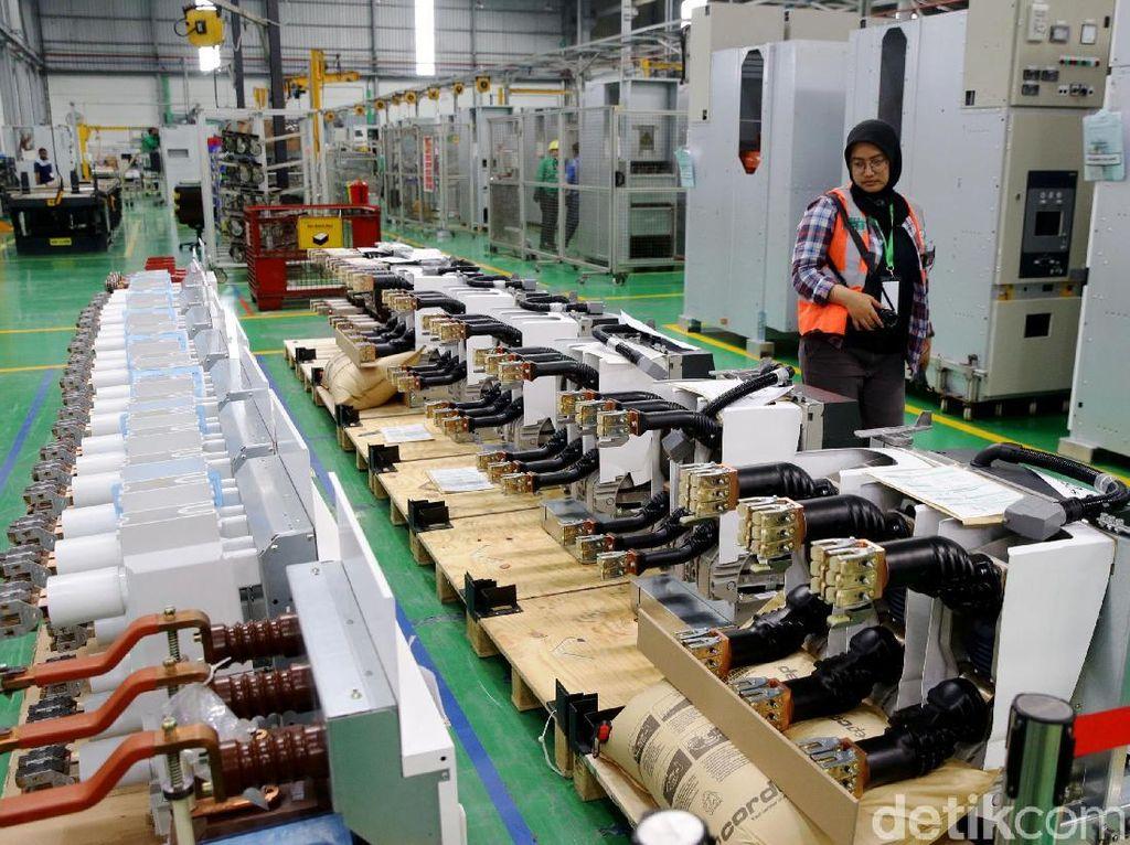 Perusahaan global dalam transformasi digital di pengelolaan energi dan otomasi, Schneider Electric, meresmikan pengoperasian pabrik pintarnya di kawasan Cikarang, Jawa Barat.