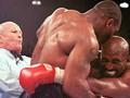 Gigitan Tyson ke Telinga Holyfield yang Tak Terlupakan