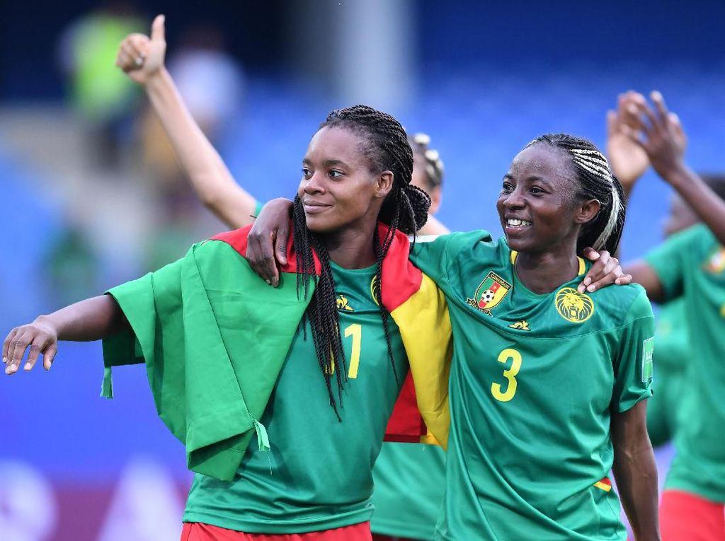 Aurelle Awona dan Ajara Nchout adalah pemain dari Timnas Kamerun. (Foto: Laurence Griffiths/Getty Images)