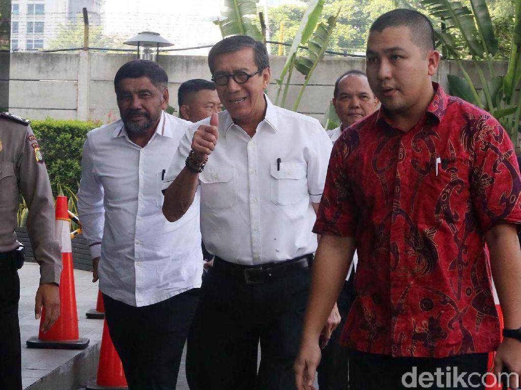 Yasonna Laoly tiba di gedung KPK, Jakarta, Selasa (25/6/2019) untuk menjalani pemeriksaan.