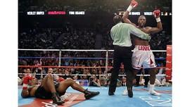 Mike Tyson Bukan Lawan Tertangguh Lennox Lewis