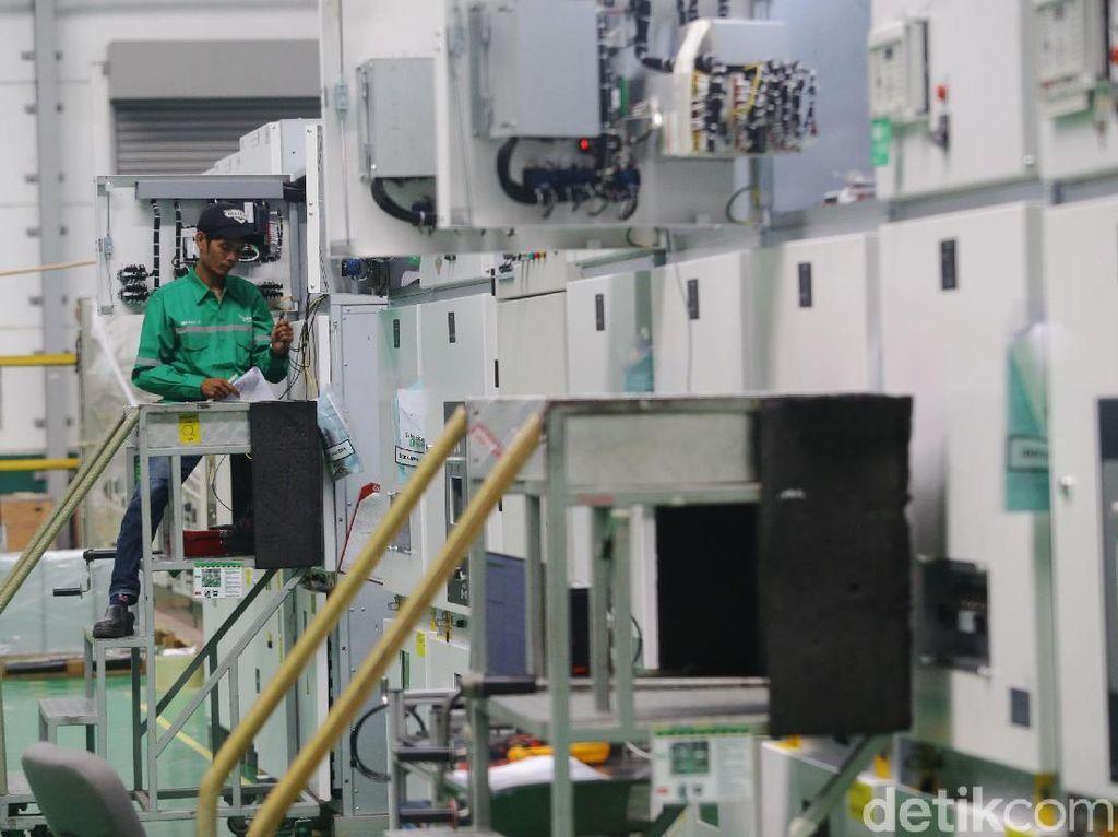 Pabrik pintar Cikarang merupakan salah satu dari yang pertama yang menggunakan energi terbarukan dalam kegiatan operasionalnya dari seluruh pabrik Schneider Electric di Asia.