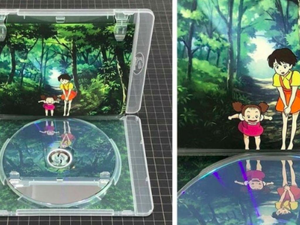 Permukaan pada kaset CD ini seolah memberikan kesan refleksi bayangan. (Foto: Brightside)