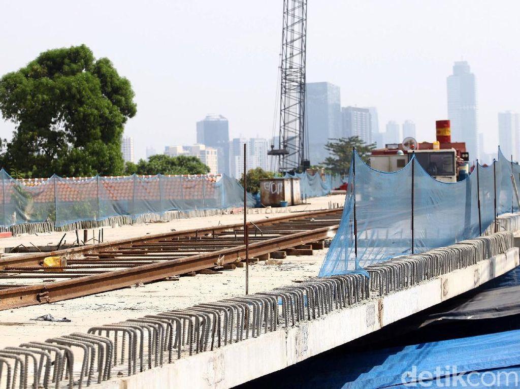 Proyek pembangunan DDT Jatinegara-Manggarai ini terus dikebut pengerjaannya.