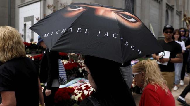 Musik menjadi warisan terbesar dari seorang penghibur bernama Michael Jackson untuk dunia. (REUTERS/Mike Blake)