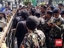 Felix Siauw Ceramah di Masjid Balai Kota, GP Ansor Gelar Aksi