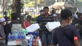 VIDEO: Penjual Tikar Meraup Untuk Menjelang Putusan MK