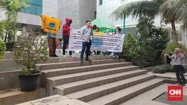 Tolak IMB Reklamasi, Belasan Mahasiswa Desak KPK Usut Anies