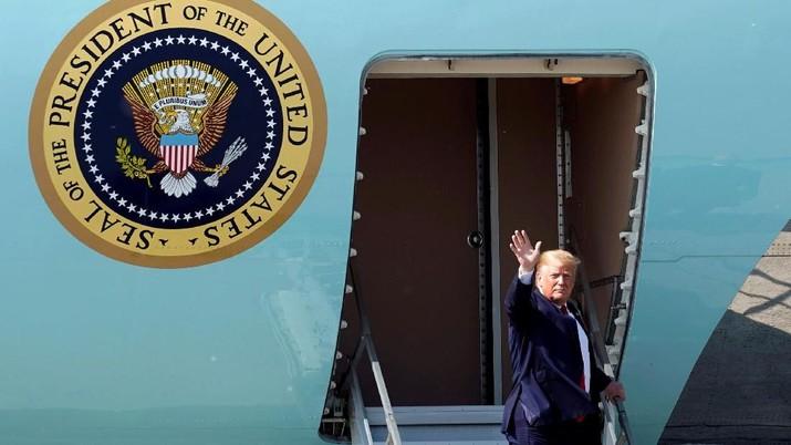 Presiden Amerika Serikat (AS) Donald Trump mengonfirmasi militer AS telah menembak jatuh pesawat nirawak atawa drone milik militer Iran.