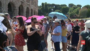 VIDEO: Eropa Diterjang Gelombang Panas, Wisatawan Mengeluh