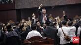 Mahkamah Konstitusi (MK) memutuskan menolak seluruh gugatan hasil Pilpres 2019 yang diajukan Prabowo Subianto-Sandiaga Uno. Putusan tersebut disepakati sembilan hakim konstitusi tanpa dissenting opinion. CNN Indonesia/Adhi Wicaksono