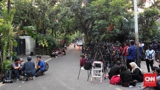 Jokowi Akan Beri Pernyataan, Rumah Ma'ruf Ramai Wartawan