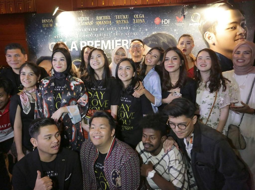 Film Say I Love you merupakan kisah nyata siswa-siswi SMA Selamat Pagi Indonesia yang berhasil menerima Kick Andy Heroes 2018, kini kisah tersebut diangkat ke layar perak dan tayang mulai 4 Juli 2019. Foto: dok. HDI