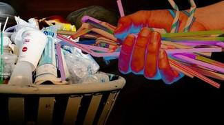 Plastik-plastik yang Mengusik