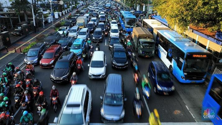 Ultimatum Anies soal Mobil pribadi & Tarif Parkir Jakarta