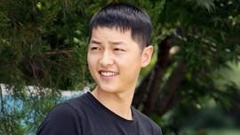 Song Joong Ki Terlihat Bahagia Sebelum Gugat Cerai Hye Kyo