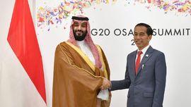 Bertemu MbS, Jokowi Bahas Kerja Sama Pertamina-Saudi Aramco