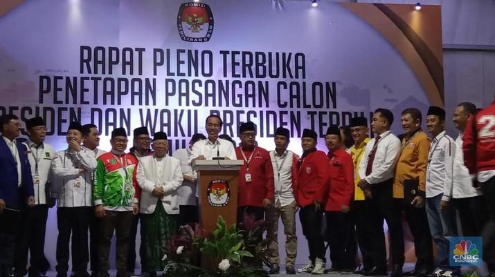 Jokowi mengajak Prabowo Subianto-Sandiaga Uno bergabung membangun negara.