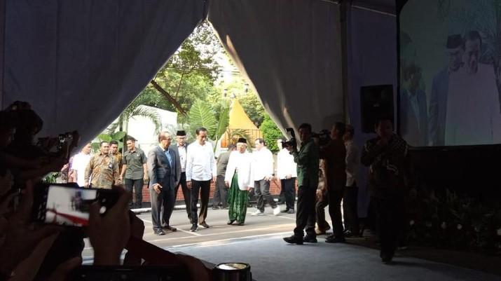 Jokowi dipastikan menghadiri rapat pleno KPU.