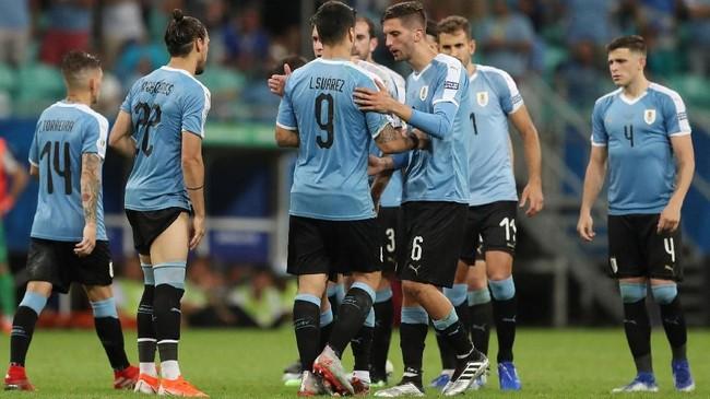 Drama adu penalti kemudian digelar usai 90 menit laga berakhir imbang tanpa gol. Luis Suarez yang menjadi eksekutor penalti Uruguay gagal menaklukkan kiper Pedro Gallese. (REUTERS/Ricardo Moraes)