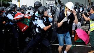 Aktivis Hong Kong Demo Berujung Bentrok di Dalam Mal