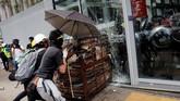 Warga Hong Kong khawatir karena sistem peradilan di China bias dan kerap dipolitisasi. (Reuters/Tyrone Siu)