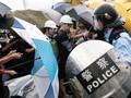 Lempar Telur ke Polisi Saat Demo, Seniman Hong Kong Diadili