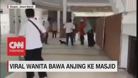 VIDEO: Viral! Wanita Bawa Anjing Ke Masjid
