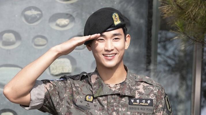 Kim Soo Hyun masih mau menikmati masa-masa bebasnya sebelum balik ke layar drama