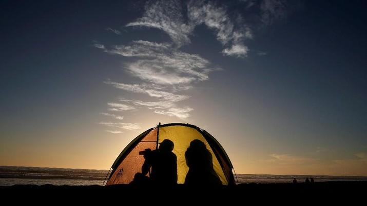 Sambut Gelap, Warga Chili & Argentina Terpapar Gerhana Total