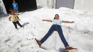 Meksiko Diterpa Badai Es, Jalanan Tertutup Salju 1 Meter