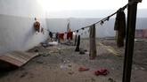 Haftar dan pasukannya terus menggempur pemerintah Tripoli sejak April lalu. Mereka menguasai kawasan timur dan selatan Libya. Namun, pekan lalu mereka kalah saat bertempur melawan milisi yang membantu Tripoli di Kota Gharyan. (REUTERS/Ismail Zitouny)