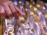 Harga Emas Melesat Naik Setelah China Menolak Dirundung AS