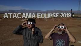 FOTO: Ketika Warga Chile 'Pesta' Gerhana Matahari