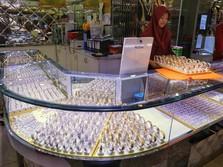 AS-China Panas Lagi, Harga Emas Bisa Lebih Tinggi?