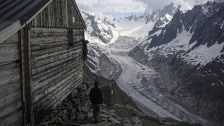 FOTO: Sosok Wanita Penunggu Pegunungan Alpen