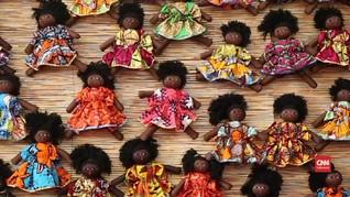 VIDEO: Menengok Boneka Kulit Hitam Buatan Afrika